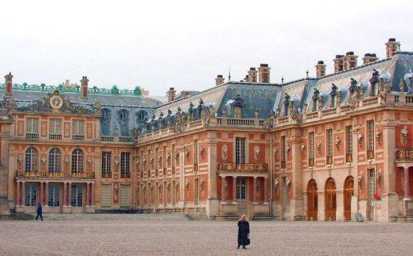 Versailles: Louis Le Vau s